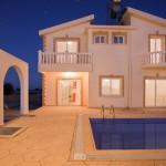 вилла на Северном Кипре возле моря