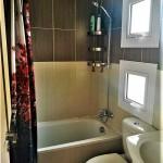 dom-v-sotire-ayia-kipr-bathroom-1f