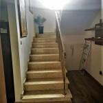 dom-v-sotire-ayia-kipr-stairs1